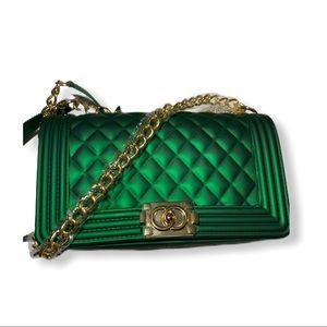 Green purse with gold chain!